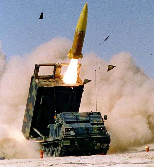 MRLS (Повеќецевни ракетни фрлачи) - Page 4 MlrsATACMS